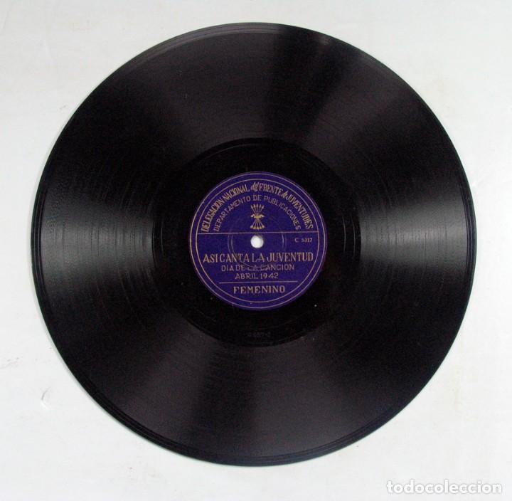 Discos de pizarra: ASI CANTA LA JUVENTUD. DELEGACIÓN FRENTE DE JUVENTUDES FALANGE. DIA DE LA CANCION. ABRIL. 1942 - Foto 4 - 120547687