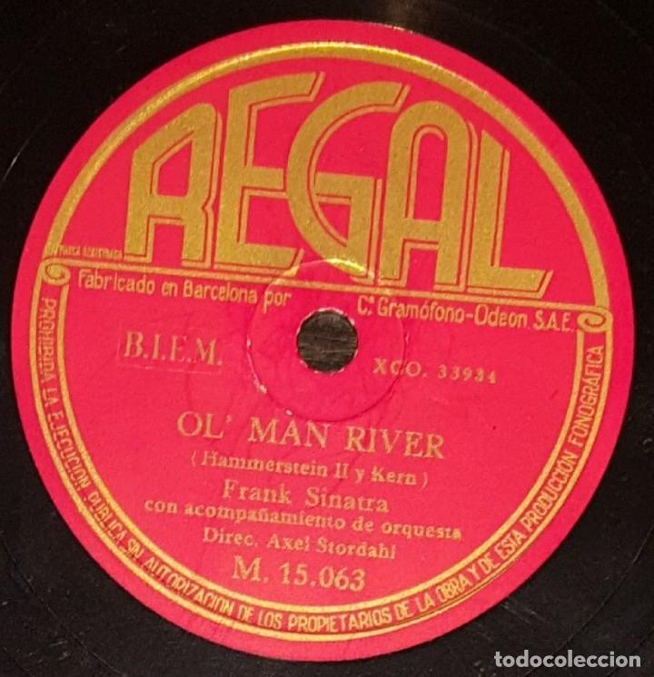 DISCO 78 RPM - REGAL - FRANK SINATRA - ORQUESTA - OL´ MAN RIVER / STORMY WEATHER - RARO - PIZARRA (Música - Discos - Pizarra - Solistas Melódicos y Bailables)