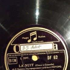 Discos de pizarra: DISCO 78 RPM - COLUMBIA - CHANTEURS DE LA SAINTE-CHAPELLE - LA NUIT - NOEL POPULAIRE - PIZARRA. Lote 151190434
