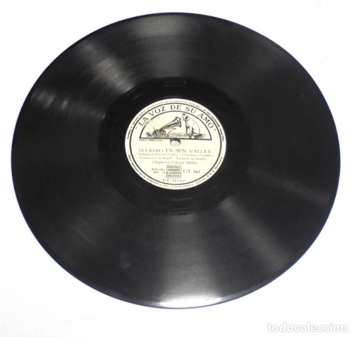 DISCO PIZARRA. LA VOZ DE SU AMO. GY 561. SUCEDIO EN SUN VALLEY / LA POLCA DEL BESO (Música - Discos - Pizarra - Otros estilos)