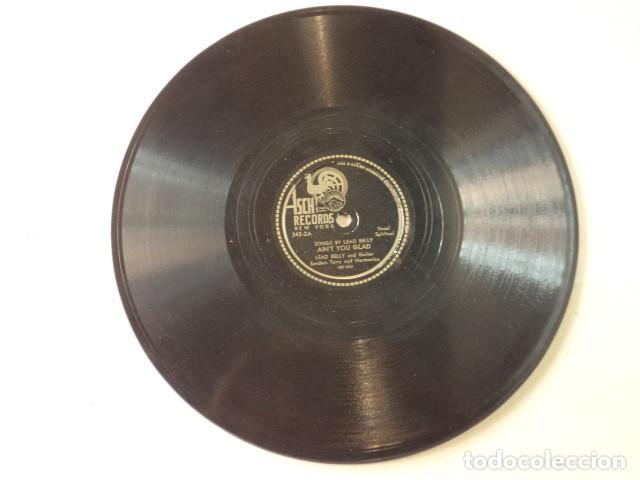 Discos de pizarra: ÁLBUM CON 3 DISCOS 78 RPM SONGS BY LEAD BELLY ACOMPANIED BY SONNY TERRY - USA - Foto 5 - 171106508