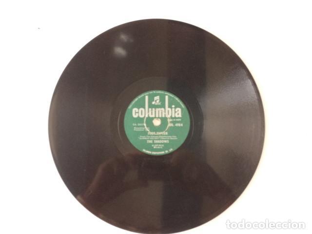 Discos de pizarra: DISCO 78 RPM THE SHADOWS - FOOT TAPPER/THE BREEZE AND I - INDIA - Foto 2 - 171107247