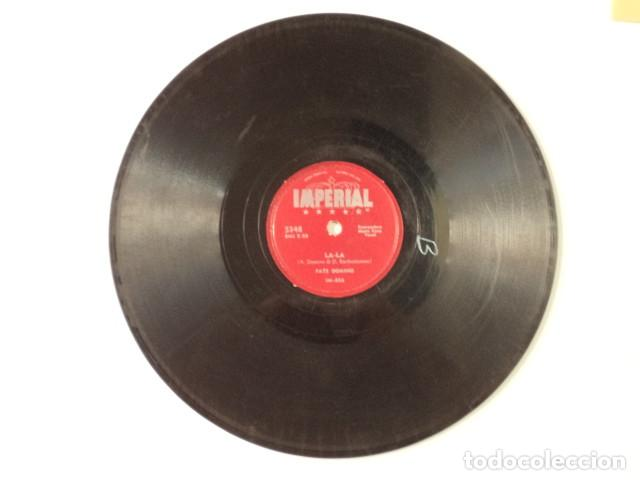 Discos de pizarra: DISCO 78 RPM FATS DOMINO - LA-LA/AINT IT A SHAME - USA - Foto 2 - 171109790