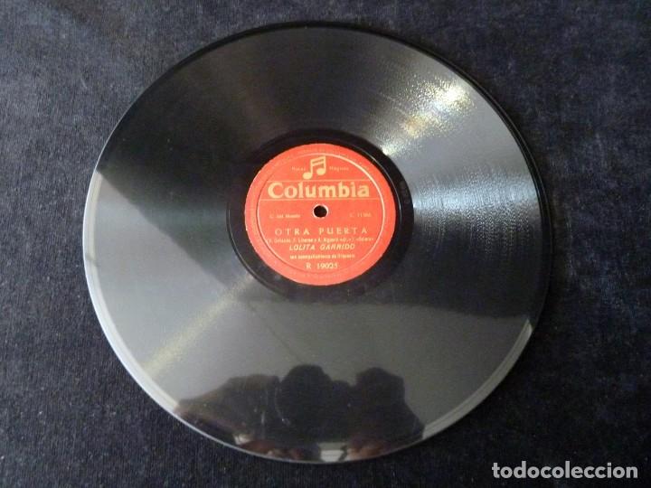 Discos de pizarra: LOLITA GARRIDO Y ORQUESTA. OTRA PUERTA, BOLERO. LA DANZA DEL BESAR, BAIAO. COLUMBIA R19025 - Foto 2 - 177877494