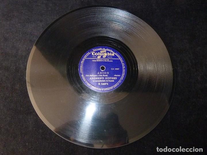 Discos de pizarra: ANDREWS SISTERS Y ORQUESTA. ADIOS, FOX-TROT. BOOGIE DE CARMEN. COLUMBIA R24073 - Foto 2 - 178812297