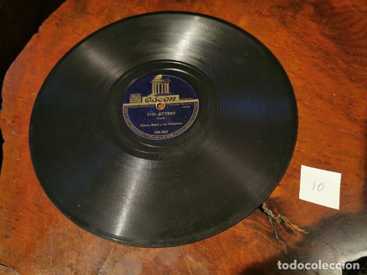 ,DISCO PIZARRA, ODEON, BLUES DEL JARDIN REAL Y THE JITTERS, COUNT BASIE ORQUESTA. N10 (Música - Discos - Pizarra - Solistas Melódicos y Bailables)