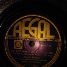 Discos de pizarra: DISCO DE PIZARRA : FRANK SINATRA : ME ENAMORO CADA DIA DE TI + PARAISO . Lote 197847922