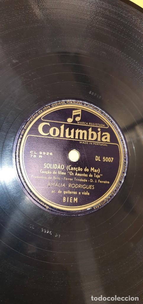 Discos de pizarra: DISCO 78 RPM - COLUMBIA - FADO - PORTUGAL - AMALIA RODRIGUES - SOLIDAO / BARCO NEGRO - PIZARRA - Foto 2 - 267505619