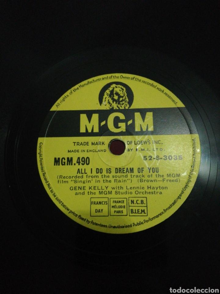 Discos de pizarra: Disco 78Rpm Gene Kelly- SINGIN IN THE RAIN(cantando bajo la lluvia) ALL I DO IS DREAM OF YOU. - Foto 2 - 277536123