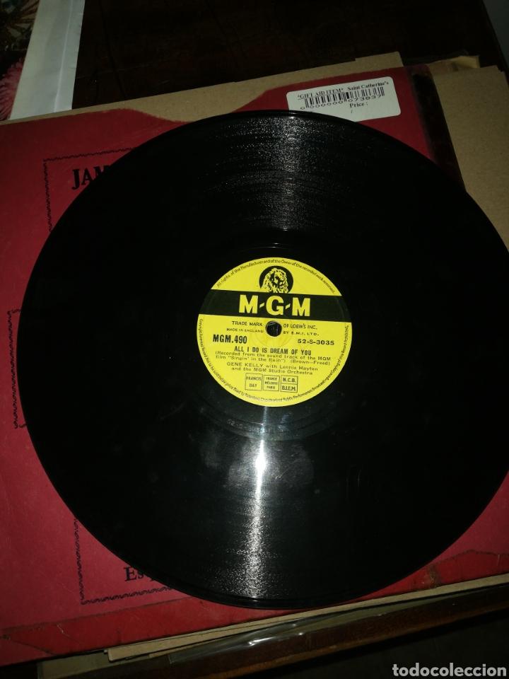 Discos de pizarra: Disco 78Rpm Gene Kelly- SINGIN IN THE RAIN(cantando bajo la lluvia) ALL I DO IS DREAM OF YOU. - Foto 3 - 277536123