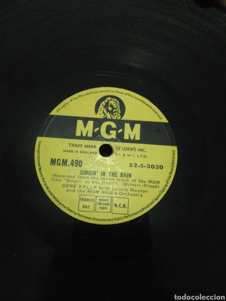 DISCO 78RPM GENE KELLY- SINGIN IN THE RAIN(CANTANDO BAJO LA LLUVIA) ALL I DO IS DREAM OF YOU. (Música - Discos - Pizarra - Bandas Sonoras y Actores )