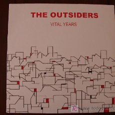 Discos de vinilo: THE OUTSIDERS - VITAL YEARS - (EEC-GIFT OF LIFE-199?) 1977 UK PUNK TRIO LP. Lote 18624879