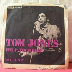 Discos de vinilo: TOM JONES ( HELP YOURSELF - DAY BY DAY ) 1968 SINGLE 45. Lote 6788682
