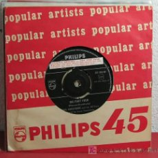 Discos de vinilo: LOUIS ARMSTRONG AND HIS ALL-STARS ( SIX FOOT FOUR - I'VE GOT A FELLING I'M FALLING ) SINGLE45. Lote 7275654