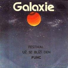 Discos de vinilo: PUNC ··· FESTIVAL / UZ SE BLIZI DEN (GALAXIE) - (SINGLE 45 RPM) ··· CANTANTE CHECOSLOVACA. Lote 20345520