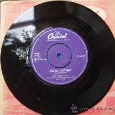 Discos de vinilo: NAT KING COLE WITH ORCHESTRA BY DAVE CAVANAUGH ( MADRID - GIVE ME YOUR LOVE ) SINGLE 45 CAPITOL. Lote 9581893