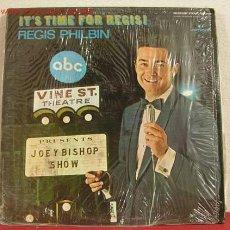 Discos de vinilo: REGIS PHILBIN ( IT'S TIME FOR REGIS ) LP33. Lote 1379758
