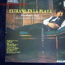 Discos de vinilo: LP-MR. ACKER BILK CON LEON YOUNG Y SU ORQUESTA-EXTRAÑO EN LA PLAYA. Lote 7131740