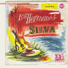 Discos de vinilo: LOS HERMANOS SILVA - LA FLOR DE LA CANELA, YO VENDO UNOS OJOS NEGROS...1959 ...4 TEMAS. Lote 24286418