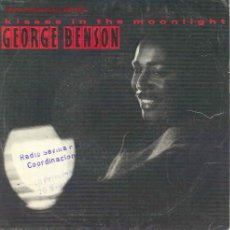 Discos de vinilo: GEORGE BENSON - KISSES IN THE MOONLIGHT / LOVE IS HERE TONIGHT - PROMO ESPAÑOL 1986. Lote 2978196