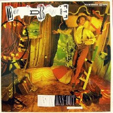 Discos de vinilo: DAVID BOWIE-DAY IN DAY OUT MAXI SINGLE EDITADO POR EMI EN 1987. Lote 3008514