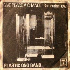 Discos de vinilo: PLASTIC ONO BAND / GIVE PEACE A CHANCE. Lote 15366689