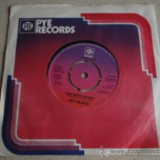 Discos de vinilo: JAY BLACK ( ONE NIGHT AFFAIR - BETWEEN TWO WORLDS ) 1976 SINGLE45 PYE RECORDS INTERNATIONAL. Lote 11735685