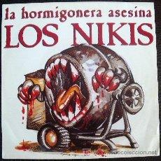 Discos de vinilo: NIKIS 45 PS SPAIN PUNK RAMONES REZILLOS CLASH - VERSIONEANDO A ROSENDO MERCADO - LEÑO - AGRADECIDO. Lote 27402567