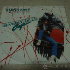 Discos de vinilo: 'BEVERLY HILLS' GLENN FREY ( THE HEAT IS ON ) HAROLD FALTERMEYER ( SHOOT OUT ) 1984 SINGLE. Lote 17260611