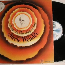 Discos de vinilo: UXV STEVIE WONDER 2 LPS 1SG LIBRETO ALBUM SONG IN THE KEY LIFE 1976 POP SOUL GREMMY. Lote 22788082
