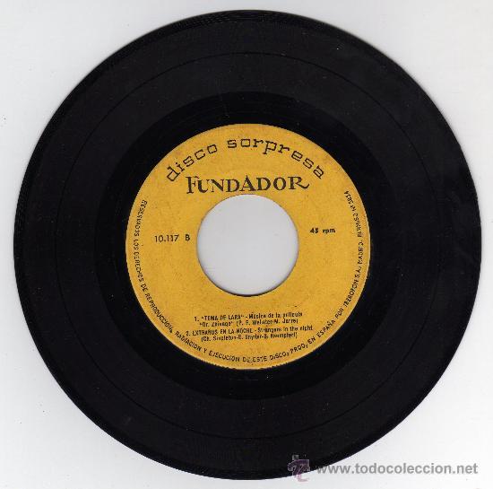 Discos de vinilo: DISCO SINGLE 45 RPM - TU AMOR DE AYER - EN UNA FLOR - TEMA DE LARA - EXTRAÑOS EN LA NOCHE. - Foto 2 - 18502039