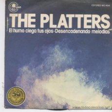 Discos de vinilo: THE PLATTERS,EL HUMO CIEGA TUS OJOS DEL 77. Lote 19553146