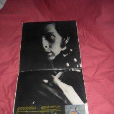 Discos de vinilo: PACO DE LUCÍA 'LA GUITARRA DE ORO DE'. DOBLE LP CON LAS PRIMERAS GRABACIONES PHILIPS, 1972 JUNTO A R. Lote 20635827