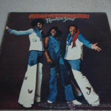 Discos de vinilo: THE HUES CORPORATION ' ROCKIN' SOUL ' USA-1974 LP33 RCA RECORDS. Lote 22736532