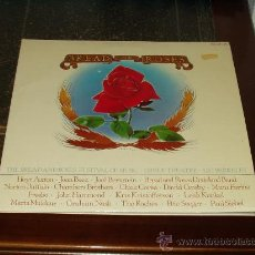 Discos de vinilo: BREAD AND ROSES DOBLE LP FESTIVAL MUSIC (CROSBY,PETE SEEGER,ROCHES,NASH,NORTON BUFFALO ETC..). Lote 24931177