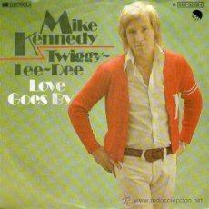 Discos de vinilo: MIKE KENNEDY (EX-LOS BRAVOS) - SINGLE VINILO 7 - EDITADO EN ALEMANIA - TWIGGY-LEE-DEE + LOVE GOES BY. Lote 25496237