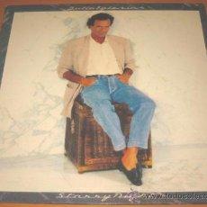 Discos de vinilo: JULIO IGLESIAS - STARRY NIGHT - LP - CBS 1990 SPAIN 467284 - LETRAS - N MINT. Lote 30656191