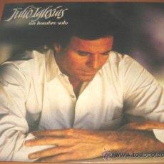 Discos de vinilo: JULIO IGLESIAS - UN HOMBRE SOLO - LP - CBS 1987 SPAIN 450908 - LETRAS. Lote 27187960