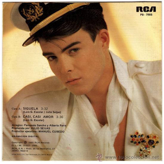 Discos de vinilo: TINO FERNANDEZ (EX-PARCHIS) – SÍGUELA / CASI, CASI AMOR – SG PROMO SPAIN 1985 – RCA PB-7866 - Foto 2 - 26829728