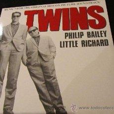 Discos de vinilo: MAXI-SINGLE DE VINILO DE LA B.S.O. TWINS NUEVO CON PHILIP BAILEY Y LITLE RICHARD. Lote 29342308