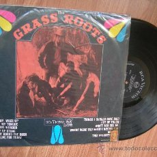 Discos de vinilo: THE GRASS ROOTS - LET'S LIVE FOR TODAY - 2º LP BRASIL 1967 - CARPETA VG+ VINILO VG+ . Lote 30400824