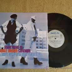"Discos de vinilo: WHITNEY HOUSTON & BOBBY BROWN SOMETHING IN COMMON MAXI SINGLE VINILO 12"" AÑO 1993 4 TEMAS. Lote 30617617"