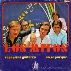 Discos de vinilo: LOS MITOS ··· SUENA UNA GUITARRA / NO SE PORQUE - (SINGLE 45 RPM). Lote 30738268