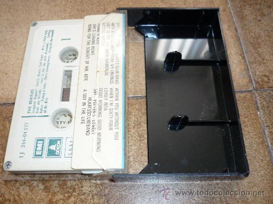 Discos de vinilo: CINTA DE CASSETTE THE BEATLES SGT PEPPER`S 1969 - Foto 2 - 34550377