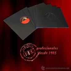 Disques de vinyle: 25 CARPETAS GENERICAS / FUNDAS DE CARTON NEGRO 300 GRAMOS PARA DISCOS DE VINILO LP Y MAXI -NUEVAS-. Lote 215133130