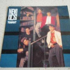 Discos de vinilo: NEW KIDS ON THE BLOCK ( TONIGHT - HOLD ON ) 1988-HOLANDA SINGLE45 CBS. Lote 32050832