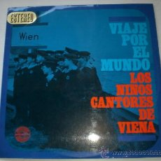 Discos de vinilo: NIÑOS CANTORES DE VIENA, VIAJE POR EL MUNDO LP 1967, TEMAS FOTO ADJUNTA, SEMINUEVO. Lote 32217366
