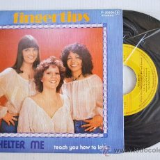 Discos de vinilo: FINGERTIPS - SHELTER ME/TEACH YOU HOW TO LOVE (POPLANDIA SINGLE 1976) ESPAÑA. Lote 33265755