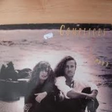 Discos de vinilo: COMPLICES ESTÁ LLORANDO EL SOL LP 1991. Lote 33433929