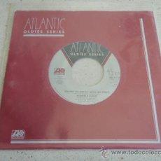 Discos de vinilo: ROBERTA FLACK ( KILLING ME SOFTLY WITH HIS SONG - TRADE WINDS ) NEW YORK-USA SINGLE45 ATLANTIC. Lote 33797396